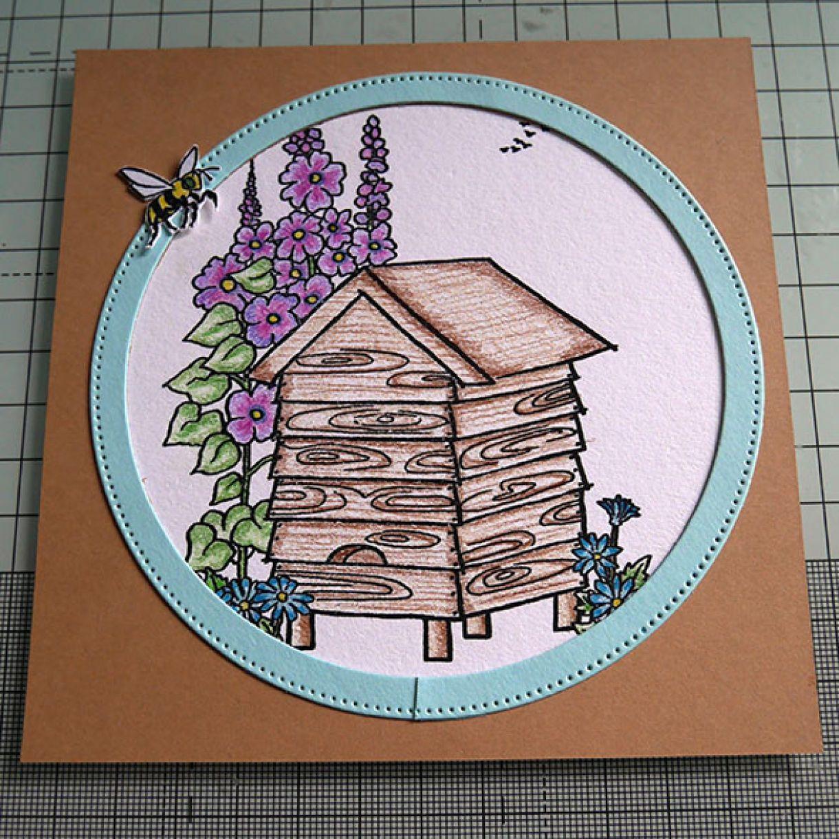 Beehive Nicole 3