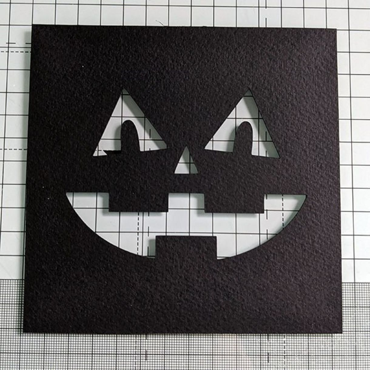 Halloween Face Card Nm 2