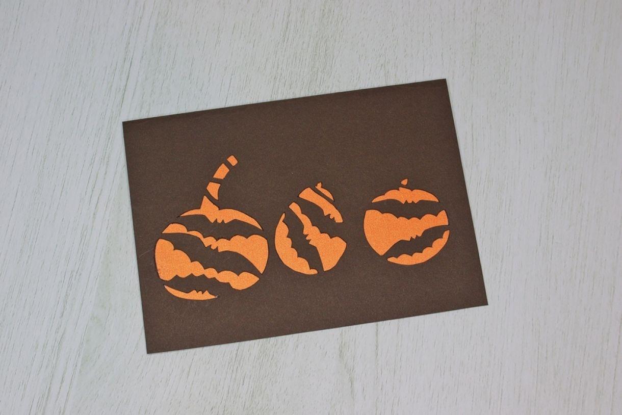 Laura Pumpkin Card10