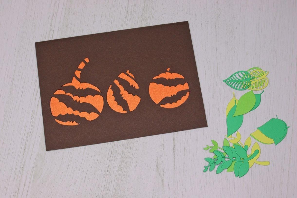 Laura Pumpkin Card12