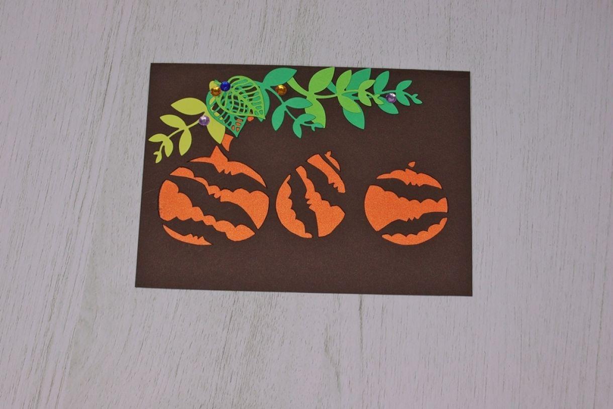 Laura Pumpkin Card13