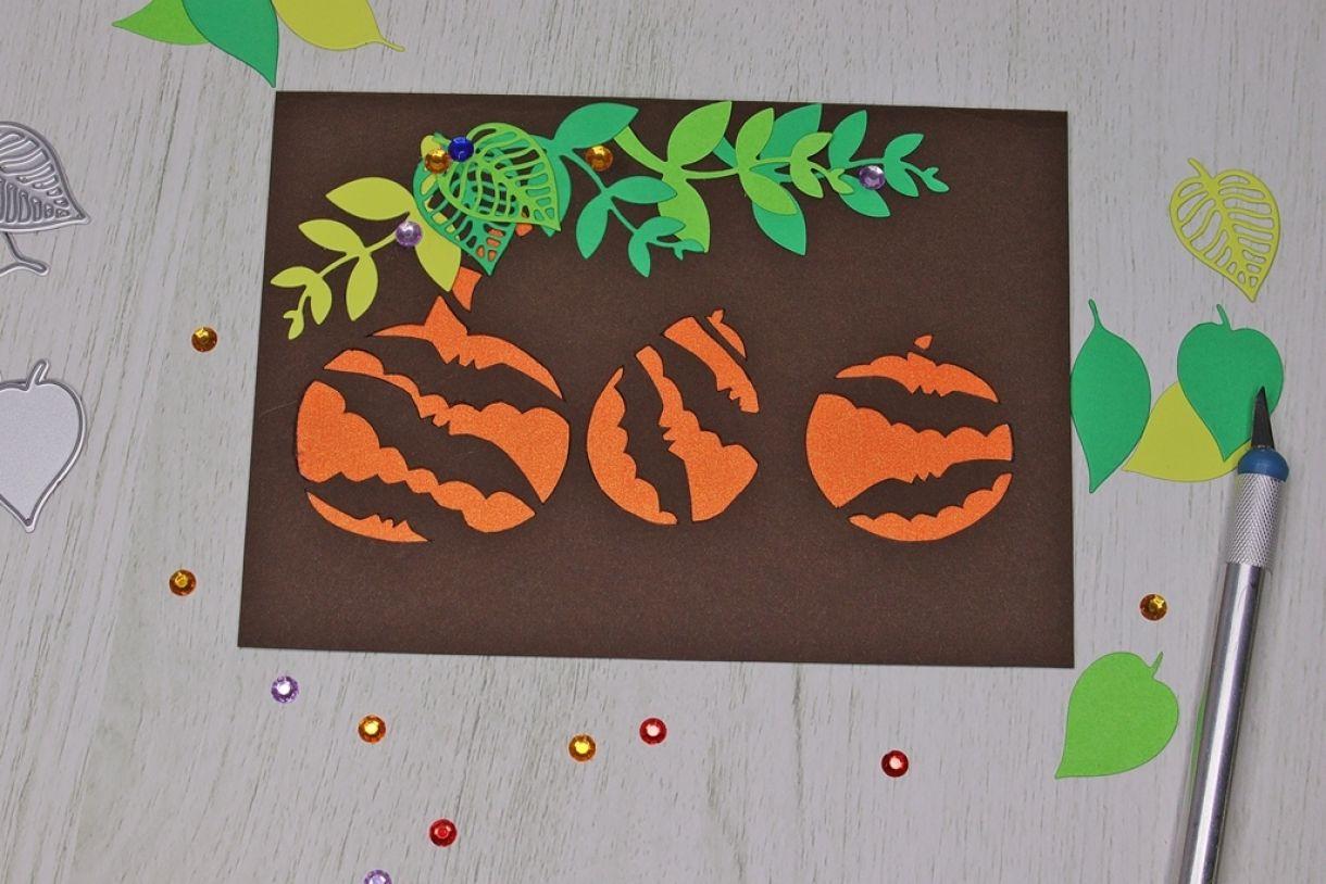 Laura Pumpkin Card14