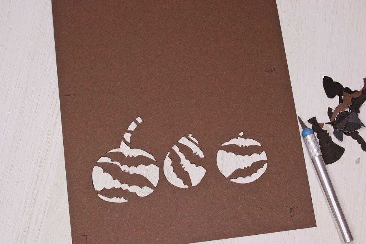 Laura Pumpkin Card3