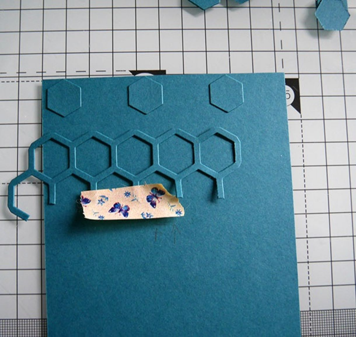 Nicole Honeycomb Blue Bday Card 7
