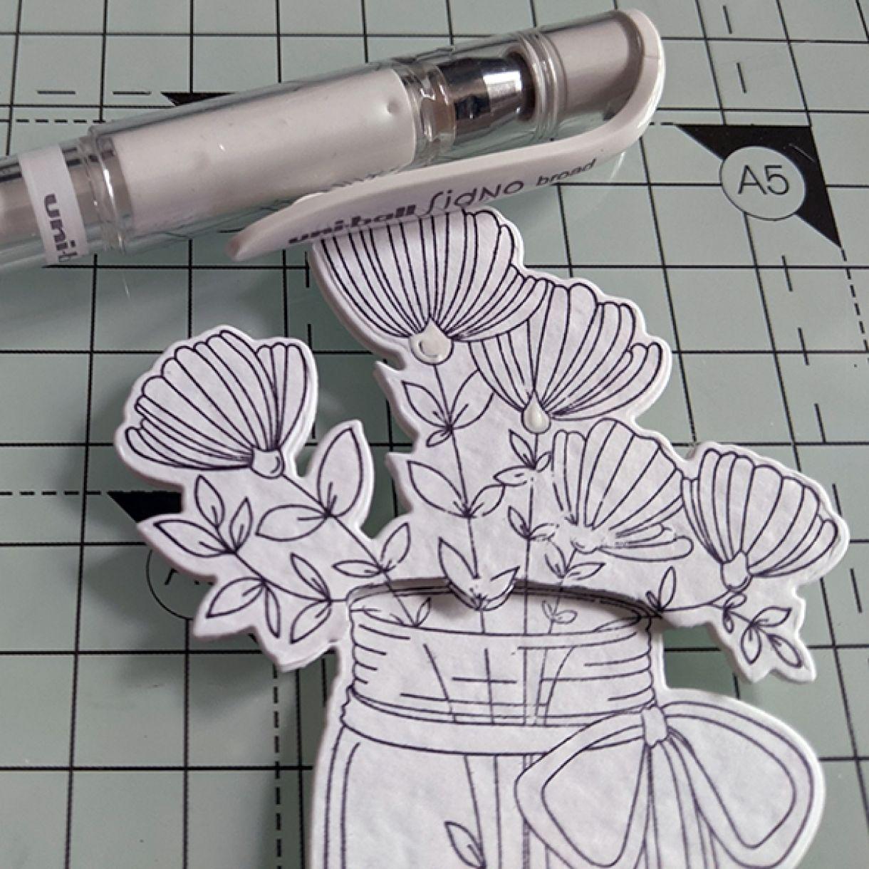 Nm White On White Vase Of Flowers 7