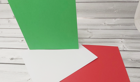 """20 Red and Green 8"""" x 8"""" Square Card Blanks with White Envelopes"""