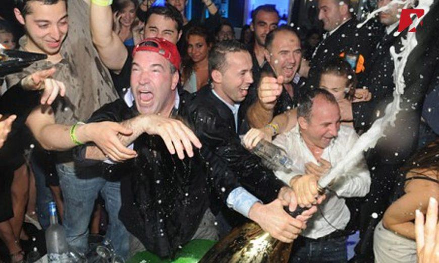 poppin-champagne