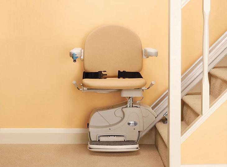 treppenlift sparta 10 treppenlifte practicomfort. Black Bedroom Furniture Sets. Home Design Ideas