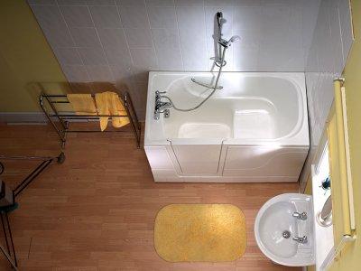 Instapbad: Een veilige badkamer in 1 dag | PractiComfort