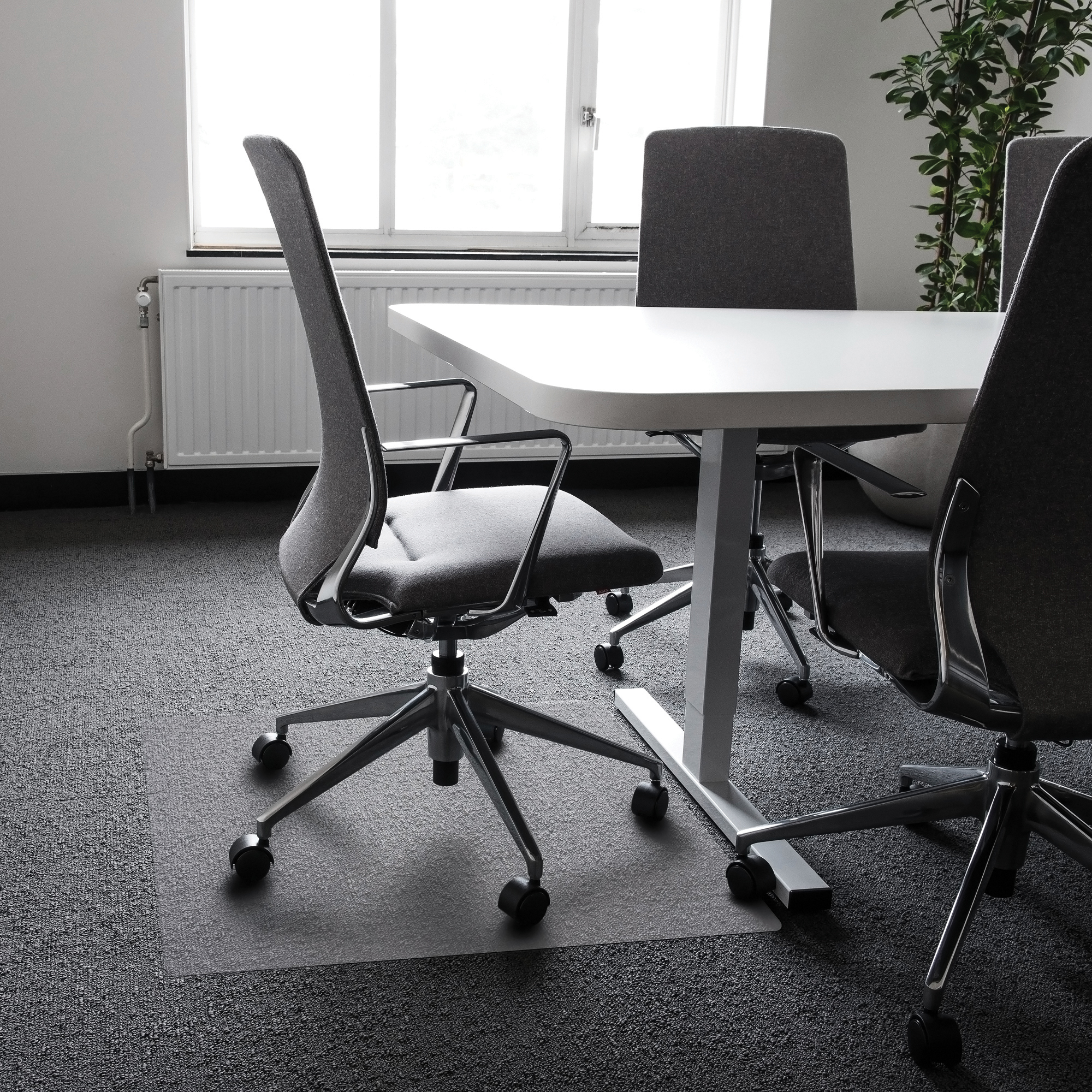 Cleartex Ultimat Chair Mat Polycarbonate Contoured For Carpet Protection 990x1250mm Clear Ref FC119923SR