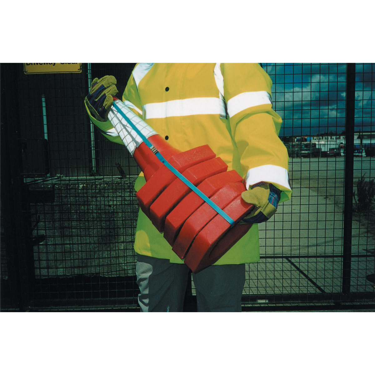 Safety Cone Standard One Piece H750mm with Sealbrite Sleeve Pack 5