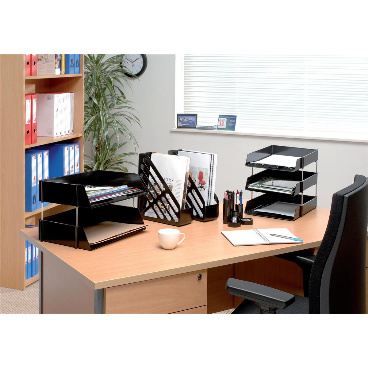 5 Star Office Desk Tidy with Variable Sized 6 Compartment Tubes Black