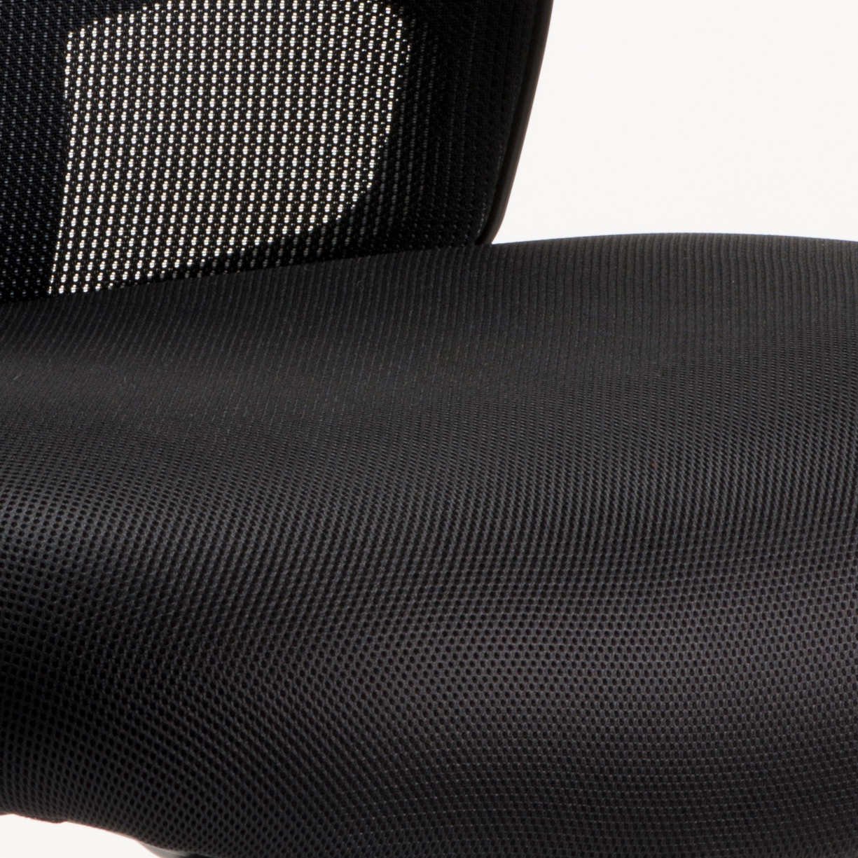 Sonix Portland Heavy Duty Mesh Chair Black 610x540x490-590mm Ref OP000106