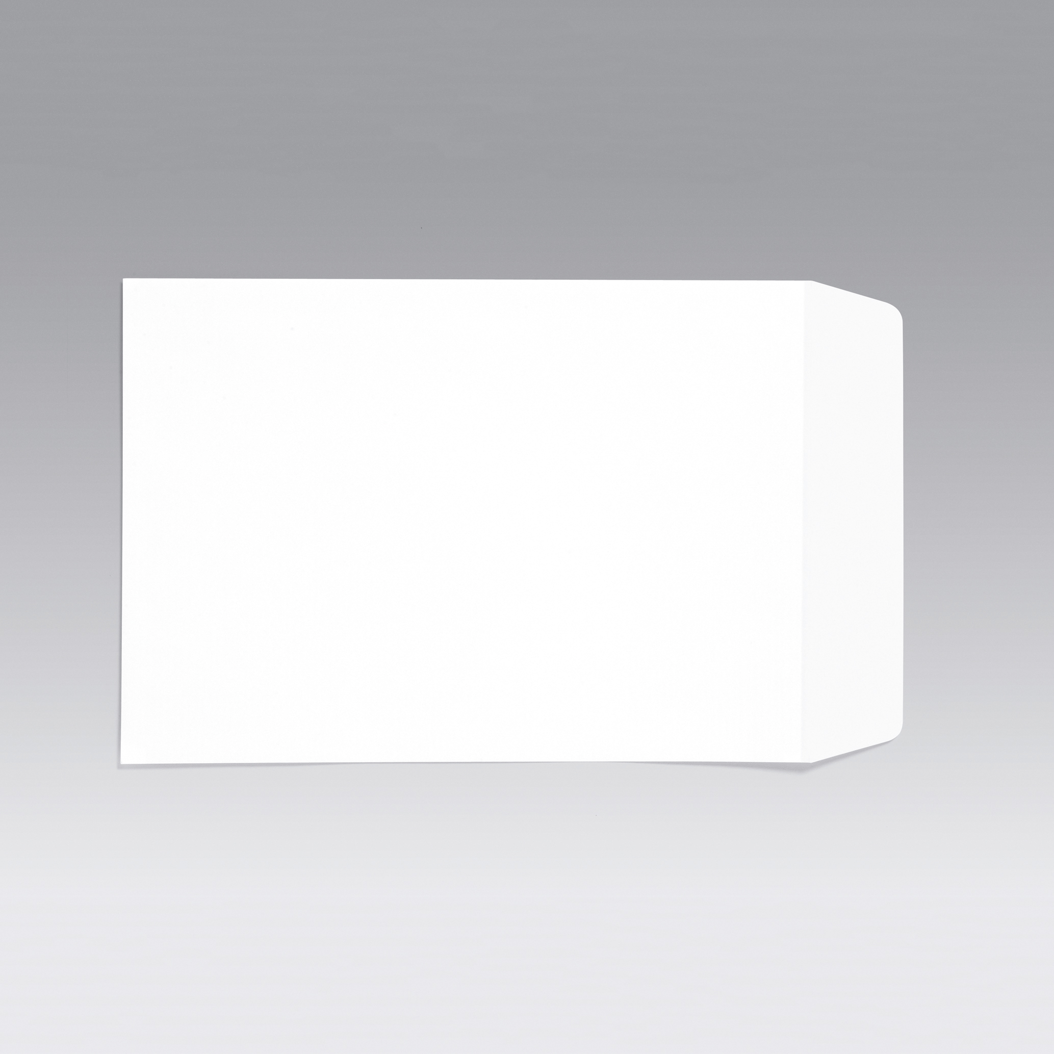 5 Star Office Envelopes PEFC Pocket Self Seal 90gsm C4 324x229mm White Retail Pack Pack 25