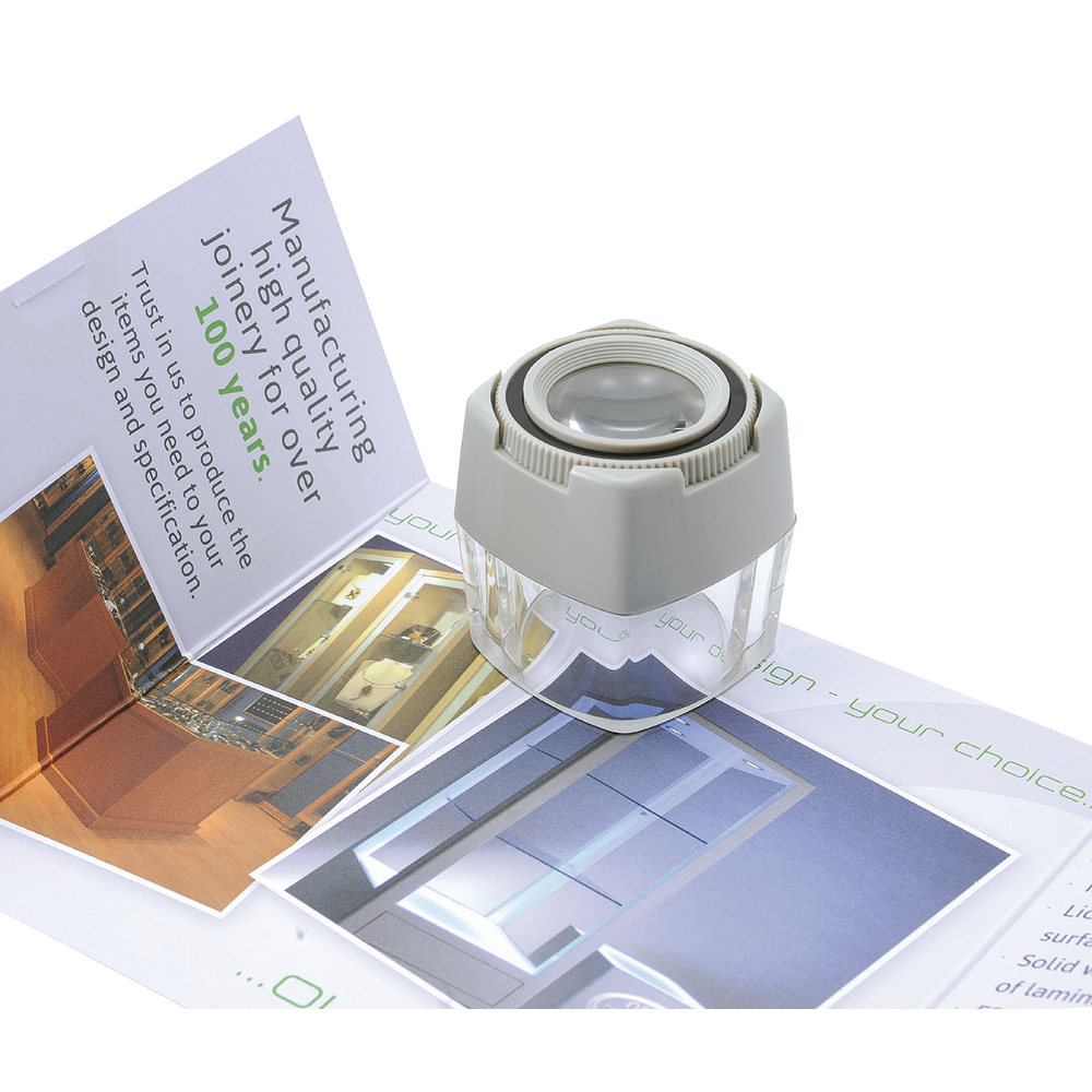 Business Focusing Cube Magnifier 8x Magnification