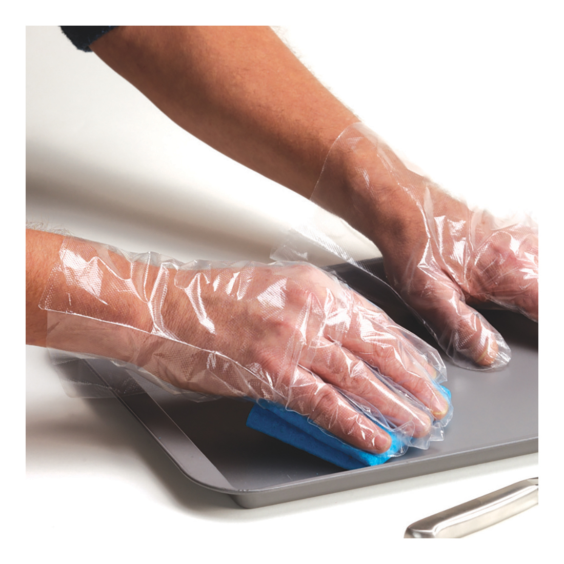 Fine Touch Disposable Gloves Polythene Ref P09774 [Pack 100]