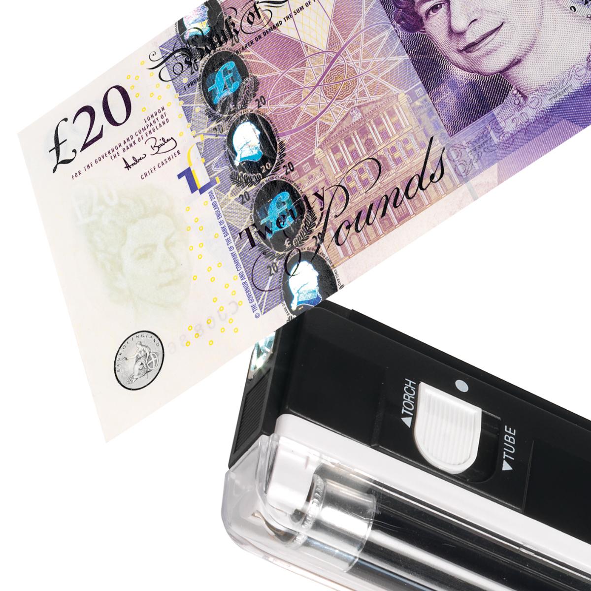Safescan 40H UV Detector Note Checker Handheld 4W UV & LED Torch L160xW560x220mm Black Ref 130-0444