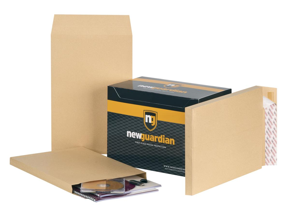 Image for New Guardian Envelopes Heavyweight Peel and Seal Gusset 25mm 130gsm Manilla 381x254mm [Pack 100]