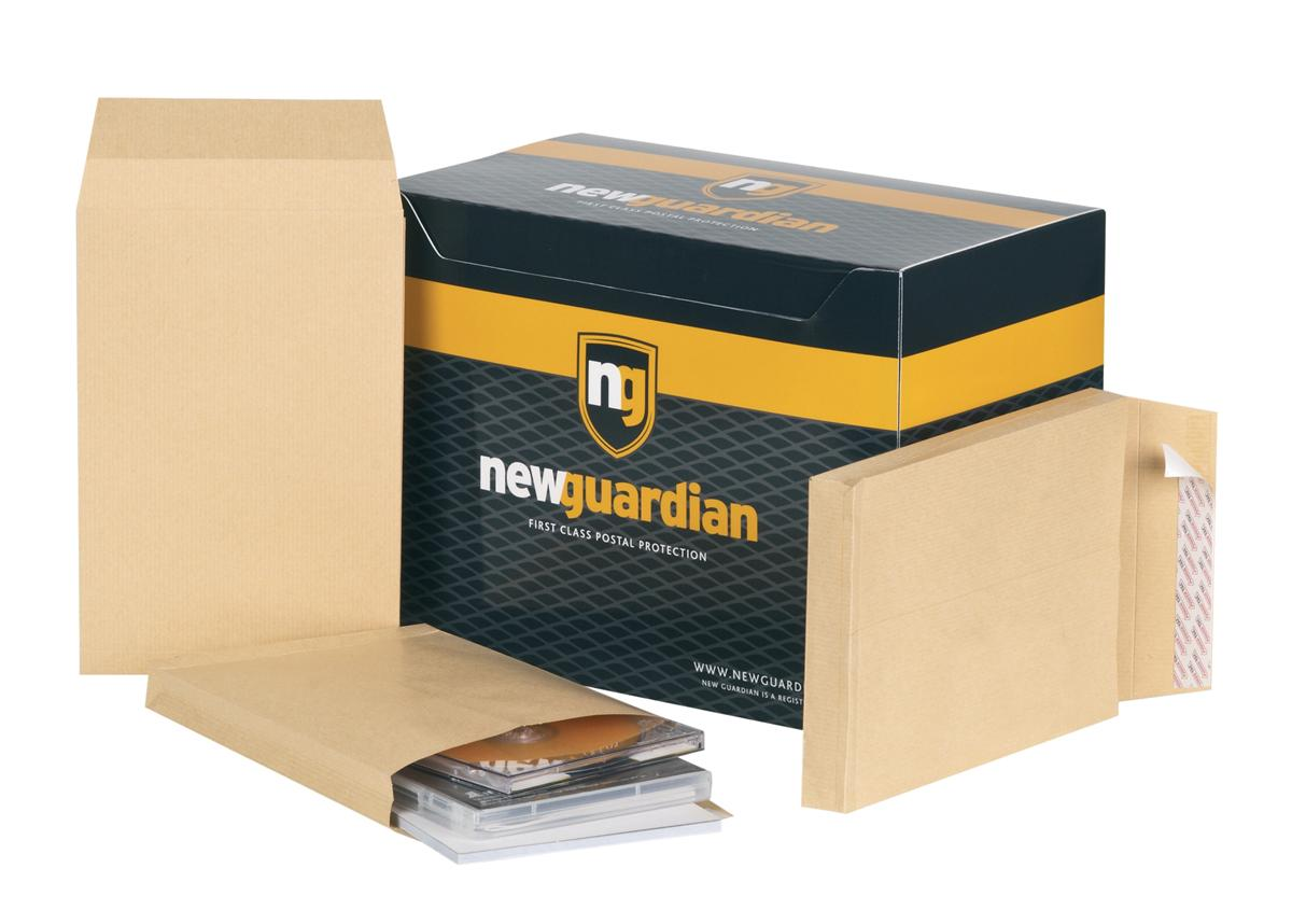 Image for New Guardian Envelopes Heavyweight Peel and Seal Gusset 25mm 130gsm Manilla 241x165mm [Pack 100]