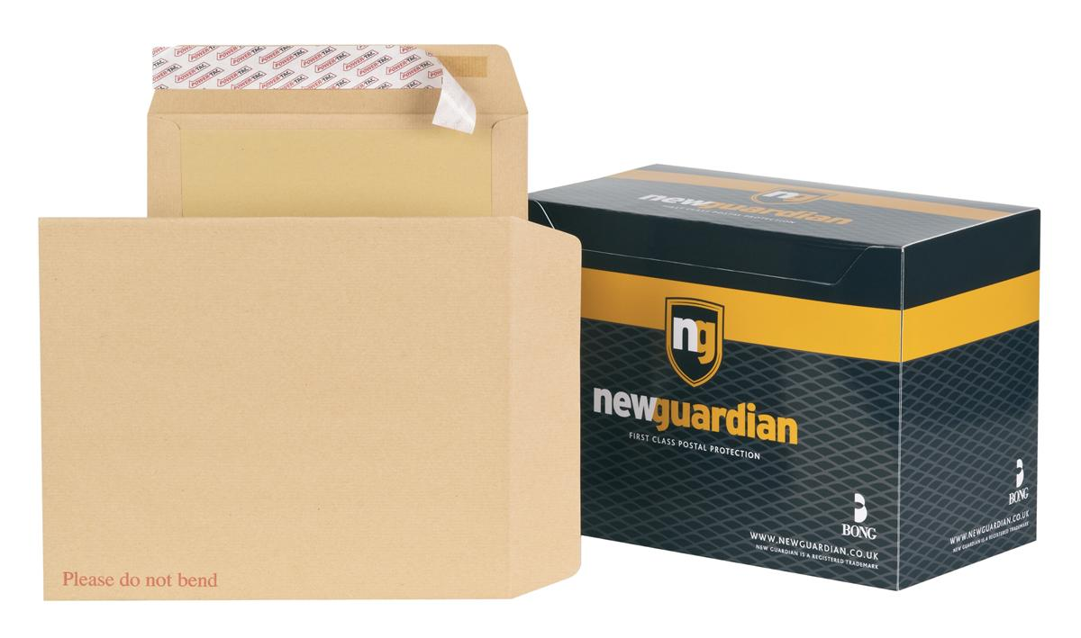Image for New Guardian Envelopes Heavyweight Board Backed Peel and Seal Manilla 318x267mm [Pack 125]