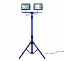 as-Schwabe Doppel Chip-LED-Strahler 2 x 30 W auf Stativ, IP 65 Baustrahler für Aussen und Baustelle, blau (EEK: A)