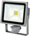 Brennenstuhl Chip-LED-Leuchte L CN 130 PIR V2 IP44 mit Infrarot-Bewegungsmelder - 1171250322 (EEK: A+)