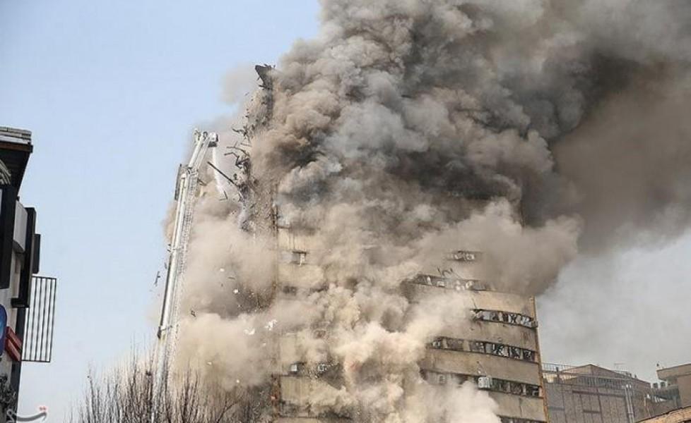 Iran: 30 pompieri uccisi in crollo edificio in fiamme