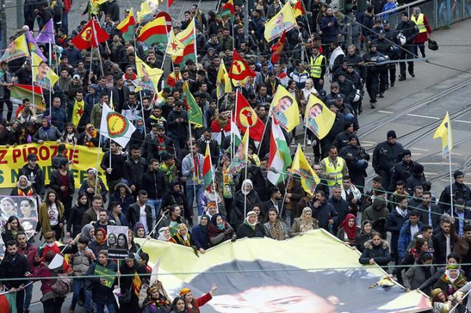 A Francoforte 30mila curdi hanno manifestato contro Erdogan