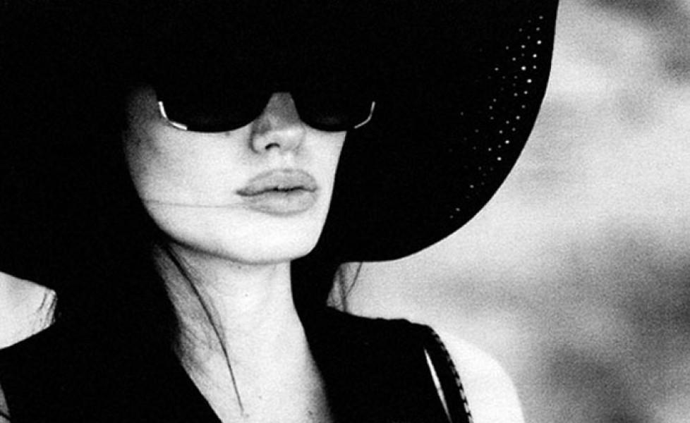 Angelina Jolie sempre più magra: peserebbe solo 35 chili. Le foto