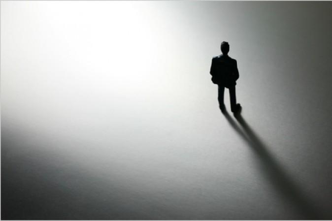 Risultati immagini per sentirsi soli