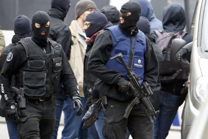 arrestati-in-belgio-due-presunti-terroristi-legati-agli-attachi-di-parigi-orig_main.jpg (674×449)