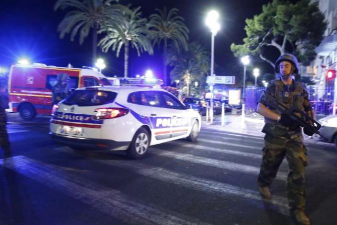 Tre giorni di lutto nazionale per Nizza