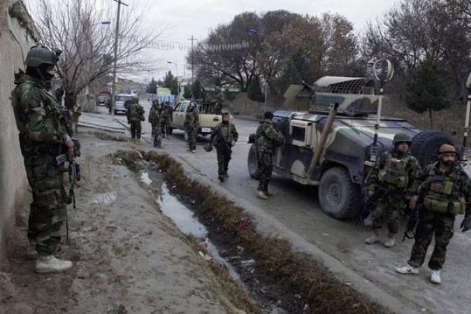 Afghanistan: attacco a una caserma, oltre cento morti