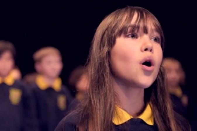Hallelujah: interpretazione da brivido di una bimba autistica