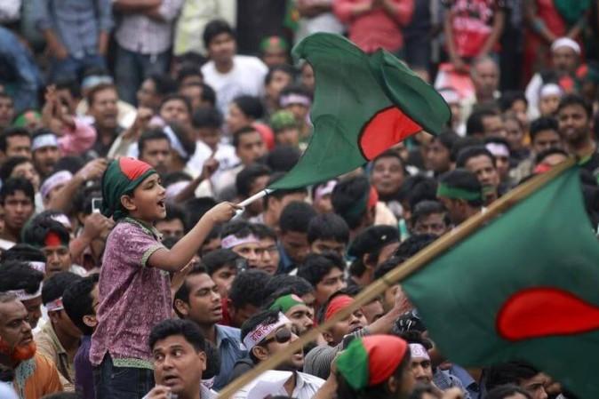Attentato a Dacca, commemorazione per le vittime della strage