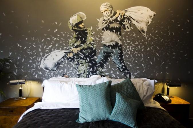 Banksy, l'ultima provocazione è un hotel con vista muro in Cisgiordania