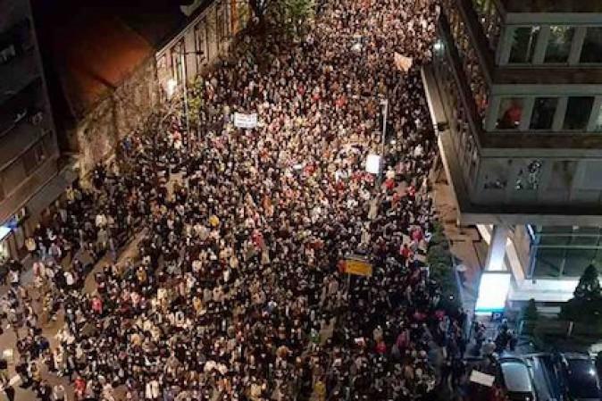 Serbia: Vucic vincerebbe con il 57%-58%