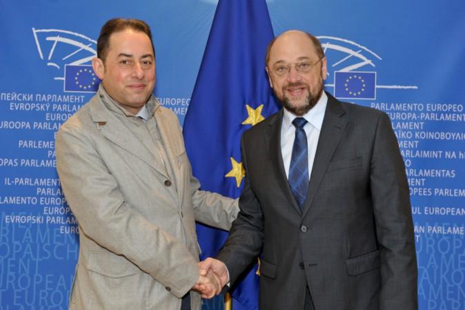 Eurosocialisti candidano Pittella a presidenza Europarlamento. Renzi e Holland hanno detto sì
