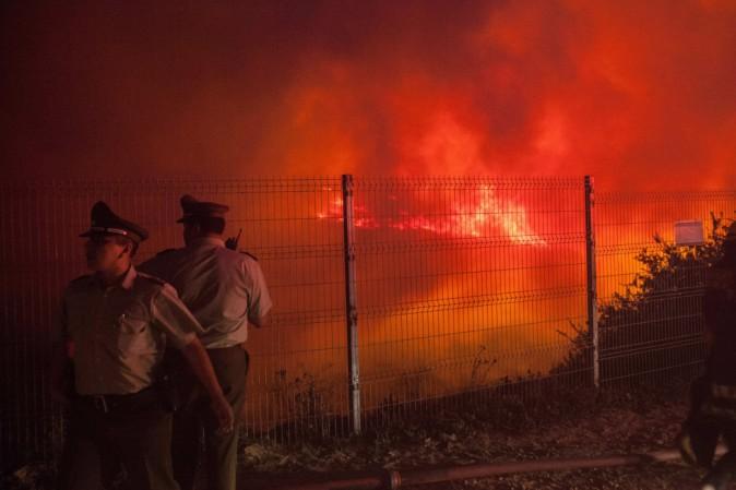 Cile in fiamme: 6 morti e migliaia di sfollati dalle proprie case