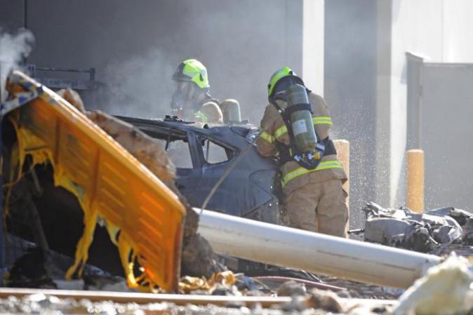 Melbourne, aereo da turismo si schianta su centro commerciale: cinque morti