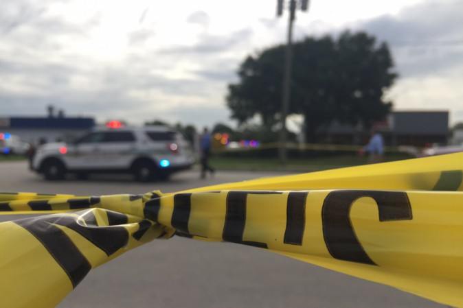 Uomo spara in azienda ad Orlando, diversi morti