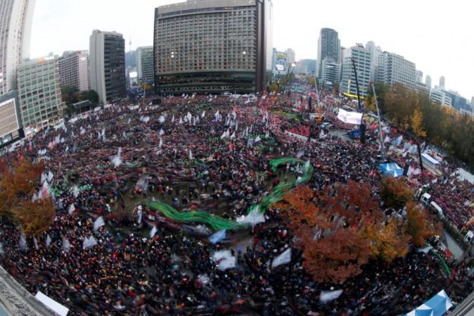 Sudcorea, un milione in corteo per dimissioni presidente