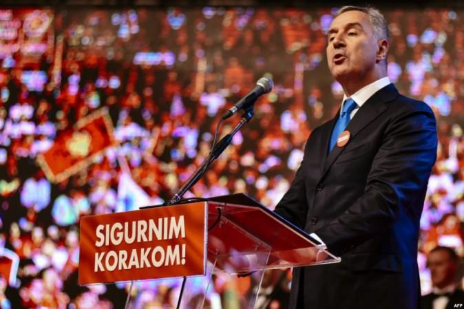 Montenegro: voto per elezioni politiche, favorito Djukanovic