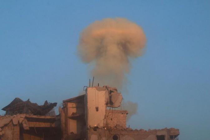 Siria, bombe su Aleppo est. Su Twitter account racconta la guerra