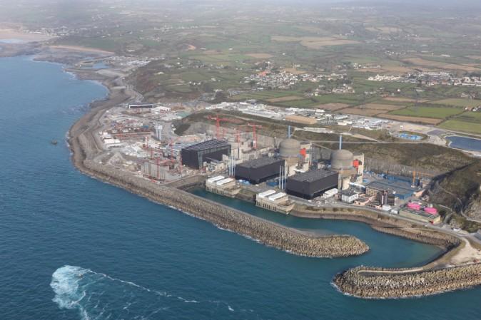 Esplosione in centrale nucleare in Francia: problema risolto, no rischi contaminazione