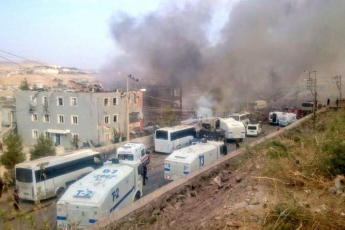 Turchia, autobomba contro un commissariato a Cizre: 11 morti