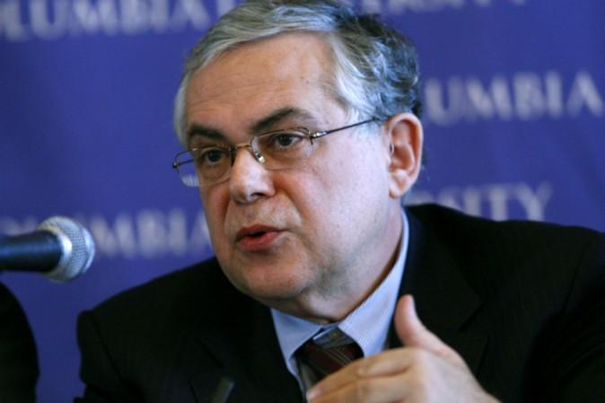 Grecia: bomba contro l'ex premier Papademos