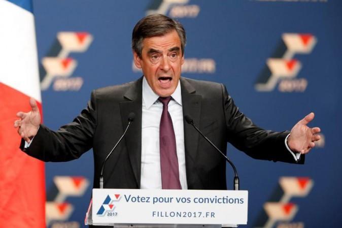 Fillon vince le primarie del centro destra in Francia, sconfitto Sarkozy