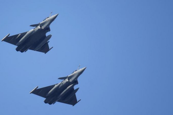 Isis: caccia francesi avviano operazioni su Mosul