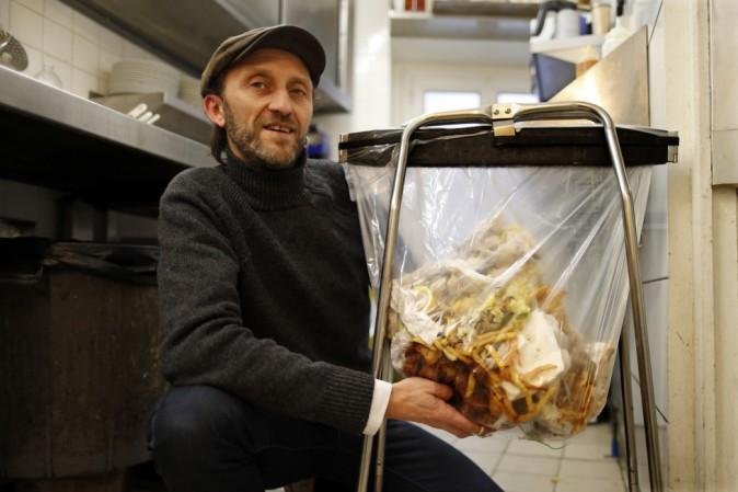 I supermercati in Francia dovranno riciclare o donare il cibo scaduto